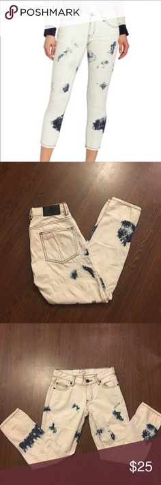 BCBGeneration Bleached Jeans Women's Size 24 BCBGeneration Bleached Jeans. 99% Cotton and 1% Spandex. Women's Size 24. Lightly worn. In good condition BCBGeneration Jeans