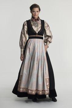 fantasistakk-1411 Folk Costume, Costumes, Norwegian Clothing, Nordic Style, Folk Art, Carnival, Traditional, Silk, Stylish