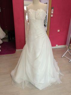 ... vente  Dépôt-vente location de robes de mariées  Pinterest