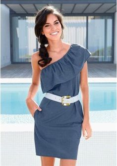 Vestido ombro só azul - http://vestidododia.com.br/modelos-de-vestido/como-usar-vestidos-de-ombro-so/