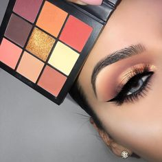 Huda beauty warm brown obsession eyeshadow palette #makeup #beauty #ad