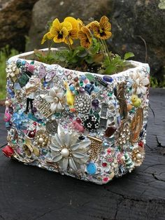 Great upcycle idea for using broken jewelry and loose beads, or other little something something's you have.