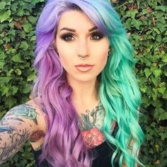 split-dyed hair in green and purple hair colors Hair Color Purple, Cool Hair Color, Hair Colors, Purple And Green Hair, Teal Hair, Pastel Purple, Split Dyed Hair, Coloured Hair, Bright Colored Hair