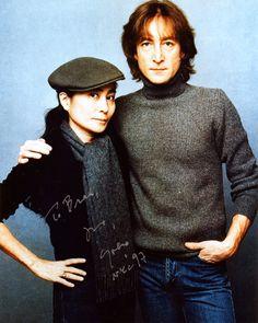John Lennon and Yoko Ono (November John Lennon Yoko Ono, John Lennon Paul Mccartney, Imagine John Lennon, The Beatles, Beatles Photos, John Lenon, The Fab Four, Famous Couples, Iconic Photos