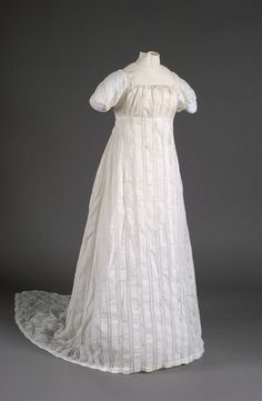 Dress Date Made 1807 Object Number 1926-01-3 Comment Dress belonged to Lucretia Champion (Mrs. Asa Bacon) who was the grandmother of the donor.