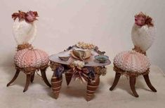 Admirable Fairy Furniture Design That Will Make Your Garden Look Beautiful - adkins news Indoor Fairy Gardens, Miniature Fairy Gardens, Miniature Fairies, Fairy Gardening, Miniature Houses, Doll Furniture, Furniture Ideas, Furniture Design, Retro Furniture