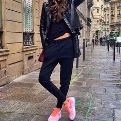 All black with touch of pink 💗  via ✨ @padgram ✨(http://dl.padgram.com)