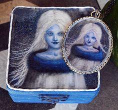 Conjunto joyero decorado a mano y camafeo a juego - La Reina de las nieves de Villaoscura en Etsy