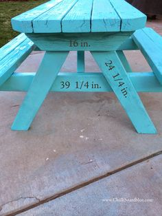 Chalkboard Blue: How to Build a Kids Pic-Nic Table