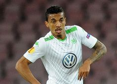Luiz Gustavo 'would accept transfer to Chelsea'