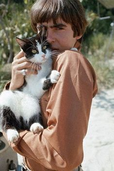 Take the last train to Catsville. Davy Jones the Monkee cuddles a Kittee in 1967.