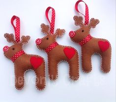 Items similar to Felt Reindeer Hanging Christmas Decorations/Ornaments on Etsy Christmas Fabric Crafts, Felt Christmas Decorations, Felt Christmas Ornaments, Felt Crafts, Christmas Home, Xmas, Christmas Ideas, Merry Christmas, Easy Ornaments