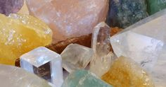 7 Crystals That Give An Energetic Makeover For Your Home