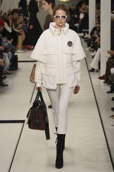 Tod's коллекция | Коллекции осень-зима 2017/2018 | Милан | VOGUE