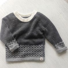 Charcoal pullover baby alpaca sweater baby boy sweater by Ingugu Baby Boy Dress, Knitted Baby Cardigan, Baby Girl Sweaters, Boys Sweaters, Pullover Sweaters, Baby Boy Fashionista, Beginner Knit Scarf, Cute Baby Clothes, Baby Knitting