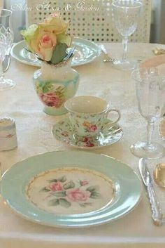 Gorgeous chintzy China.