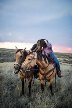 As the Storm Rolls In - Buckskin Horseback Engagement Session — Buckskin Bride Cute Country Couples, Country Couple Pictures, Pictures With Horses, Cute N Country, Cute Couple Pictures, Cute Couples Goals, Couple Goals, Horse Engagement Photos, Country Engagement Pictures