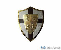 Scudo medievale medio con stemma e dettaglio bordatura dorati. Misura: cm 43x62