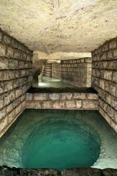 Paris, catacombes