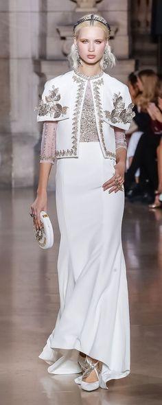 Georges Hobeika P-É 2018, Photos officielles - Haute couture - http://fr.orientpalms.com/Georges-Hobeika-7017