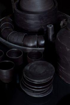 Xavier Mañosa sculpts entire kitchen from Cosentino's clay-like Dekton   Dezeen