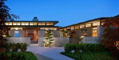 Seton a bluff overlooking Lake Washington, this breathtaking home located inSeattle,Washington was designed by Conard Romano Architects.