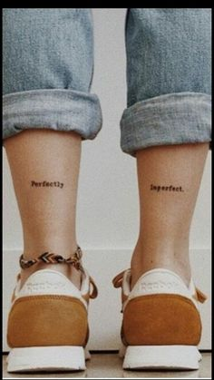 Outstanding tiny tattoos for girls are offered on our site. Take a look and you wont be sorry you did. Subtle Tattoos, Pretty Tattoos, Beautiful Tattoos, Cool Tattoos, Tatoos, Tiny Tattoos For Girls, Tattoos For Women, Datum Tattoo, Smal Tattoo