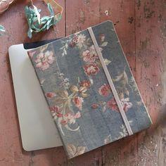 Rachel Ashwell Shabby Chic Couture iPad 2 case