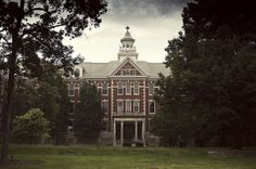 Barat College of the Sacred Heart, Lake Forest, IL, by Andrew Barkules, via Flickr.