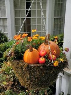 Salvage Savvy: Weekly [P]inspiration: Amazing Outdoor Fall Decoration Ideas