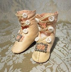 """Pink Kid Boots for French Fashion Lady - 2"""" Long http://www.dollshopsunited.com/stores/mllebereux/items/1297484/Kid-Boots-for-French-Fashion-Lady-Long #dollshopsunited"""