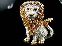 SWAROVSKI CRYSTAL LION PIN <3