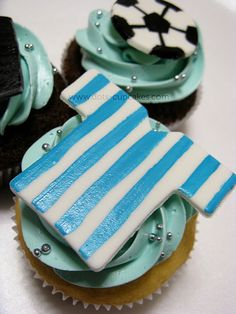 Check out these awesome soccer themed cupcakes, made by various people. Soccer Cupcakes, Love Cupcakes, Themed Cupcakes, Wedding Cupcakes, Football Treats, Football Soccer, Cake Decorating Supplies, Decorating Ideas, Sports Themed Cakes