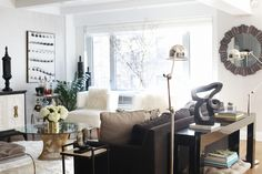 Nicole Cohen's fabulous b/w apartment featured on her blog Sketch 42: http://sketch42blog.com/my-apartment/