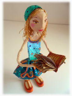 Simona Paper Clay Art, Paper Mache Crafts, Plaster Art, Hydrangea Garden, Princess Zelda, Disney Princess, Art Dolls, Disney Characters, Fictional Characters