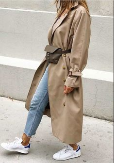 Hijab Fashion 755127062501021726 – J'ai enfin trouvé le trench beige parfait… – Hijab Fashion 2020 Trench Coat Outfit, Beige Trench Coat, Classic Trench Coat, Trench Coat Style, Cute Fall Outfits, Fall Winter Outfits, Look Fashion, Winter Fashion, Korean Fashion