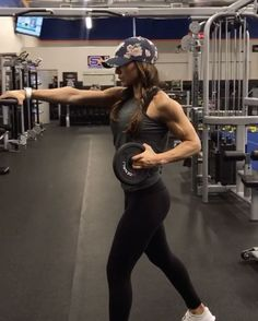 """18.9k Likes, 339 Comments - Alexia Clark (@alexia_clark) on Instagram: """"Plate Circuit 1. 15 reps each side 2. 20 reps 3. 10 reps each side 4. 15 reps 3-5 rounds…"""""""