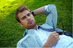 Afternoon Eye Candy: Theo James is your new pretend boyfriend (29 photos) – theBERRY
