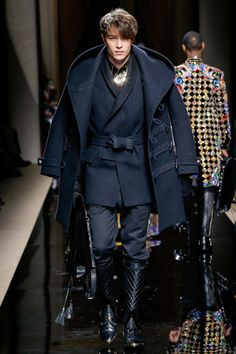 Balmain Fall 2016 Menswear Fashion Show ,(kinda cool but he looks a bit like a sith lord... Lol)
