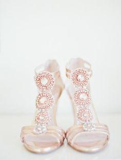 hermosos-fabulosos-zapatos-de-novias-disenadores-chic-colores-elegantes-Vince-Camuto
