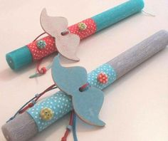 Easter candles(lampades)decorated with white and light blue wooden moustache. Handmade Candles, Handmade Gifts, Easter Crafts, Easter Decor, Easter Ideas, Gift Envelope, Palm Sunday, Holiday Time, Holidays And Events