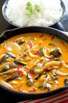 Easiest Roasted Veggie Curry | GI 365