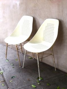 Cute as mismatched end dining chairs