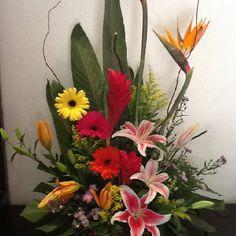 Arreglo floral de Withe Gardens