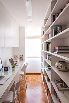 Loft Office, Home Office Setup, Home Office Space, Office Ideas, Small Office Decor, Modern Home Offices, Small Home Offices, Office Interior Design, Office Interiors