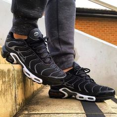 Nike Air Max Plus TN - Black ⚫️/ Grey 🔘/ White ⚪️ Exclusives, worn by 💣💥💣💥💣💥! This CW 🎨 is a proper… Nike Shoes, Sneakers Nike, Nike Tn, Baskets, Mein Style, Nike Air Max Plus, Discount Nikes, Shoes Online, Girls Shoes