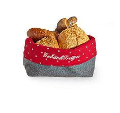 Brotkörbchen aus steirischem Loden und bedrucktem rotem Salzburger Dirndlstoff, bestickt – jetzt bei Servus am Marktplatz kaufen.