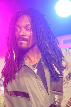 Listen to every Snoop dogg track @ Iomoio Twisted Transistor, Barrel Curls, Theatre Problems, Ramin Karimloo, Snoop Dogg, Stevie Nicks, Les Miserables, American Idol, Celebs