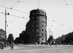 "Ernst Reuter Platz 1938 Am ""Knie"". Links: Kurfürstenallee, rechts: Hardenbergstraße. © Landesarchiv Berlin Fotograf: Kappelhöfer"