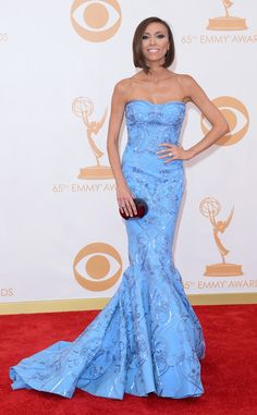 Giuliana rancic at Emmys 2013 in a blue mikeal d mermaid gown, she looks amazing and has styled her dress impeccably